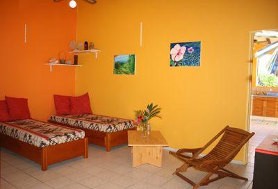 Location vacances guadeloupe louez un appartement aux for Jardinet en anglais